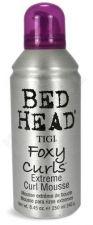 Tigi Bed Head Foxy Curls Extreme Curl stipriai veikiančios garbanas išryškinančios putos, 250ml