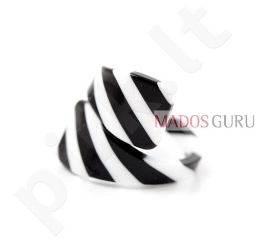Margaspalvis žiedas Z513