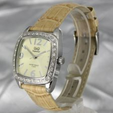 Moteriškas laikrodis Q&Q P005J079