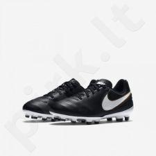 Futbolo bateliai  Nike Tiempo Legend VI FG Jr 819186-010