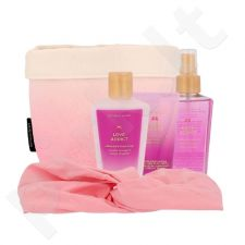 Victoria´s Secret Love Addict kūno rinkinys moterims, (Nourishing Body purškiklis 125 ml + kūno kremas 60 ml + kūno losjonas 125 ml + galvos juosta + krepšelis)