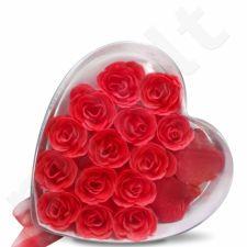 Rožių muilas ir 600 žiedlapių