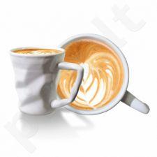 Suglamžytas kavos puodelis