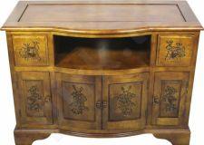 Ąžuolinė TV spintelė: 6 durys, 2 stalčiai. 65,5x89x43cm